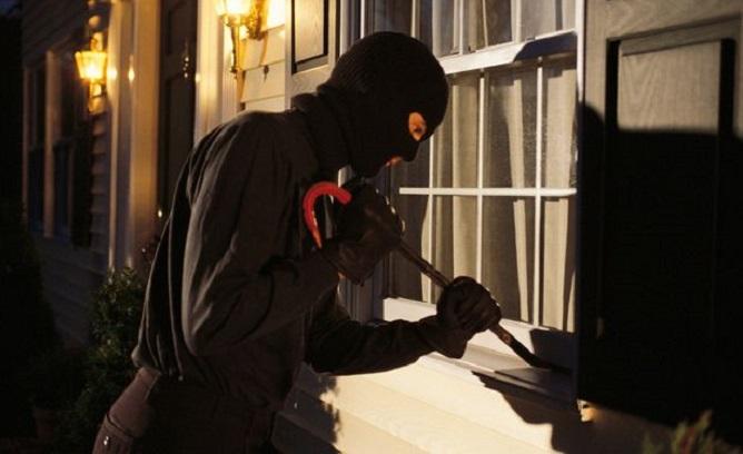 Mơ thấy kẻ xâm nhập, kẻ trộm đánh lô đề con gì chắc ăn?