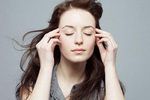 Nháy mắt trái nữ mang điềm báo xui hay may?