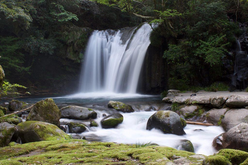 Mơ thấy thác nước là điềm báo tốt hay xấu?