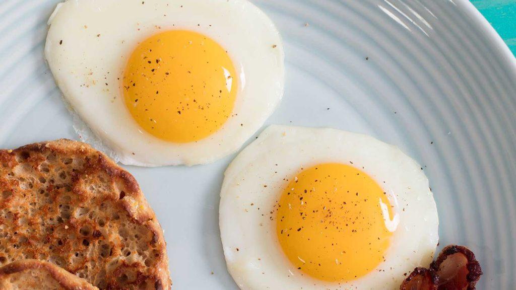 Nằm mơ thấy mang theo trứng có ý nghĩa gì? Chơi lô gì?