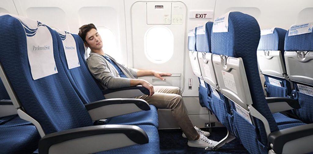 Mơ thấy đang ngồi trên máy bay đánh con gì may mắn?